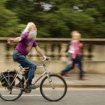 Bike na terceira idade: confira os benefícios incríveis