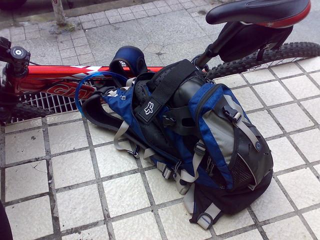 Equipamentos para levar em competições de MTB, mochila