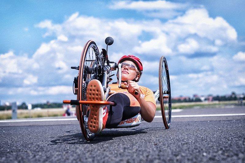 Atleta feminina de handbike