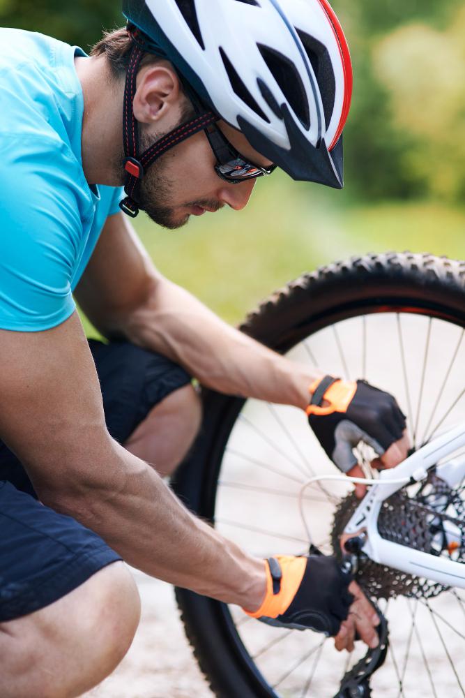 como trocar roda traseira de bike