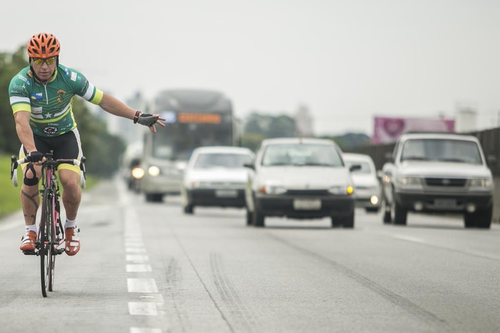 causa de acidentes com ciclistas